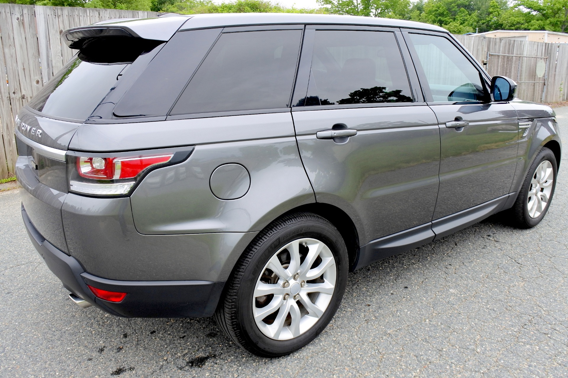 Used 2015 Land Rover Range Rover Sport HSE Used 2015 Land Rover Range Rover Sport HSE for sale  at Metro West Motorcars LLC in Shrewsbury MA 5