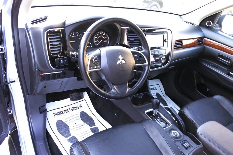 Used 2014 Mitsubishi Outlander 4WD 4dr SE Used 2014 Mitsubishi Outlander 4WD 4dr SE for sale  at Metro West Motorcars LLC in Shrewsbury MA 16