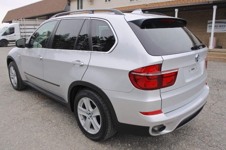 Used 2013 BMW X5 xDrive35i AWD Used 2013 BMW X5 xDrive35i AWD for sale  at Metro West Motorcars LLC in Shrewsbury MA 3