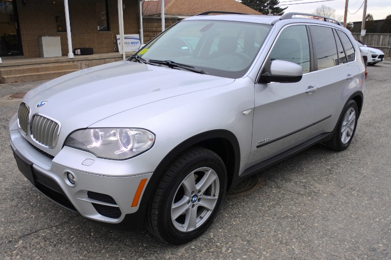 Used 2013 BMW X5 xDrive35i AWD Used 2013 BMW X5 xDrive35i AWD for sale  at Metro West Motorcars LLC in Shrewsbury MA 1