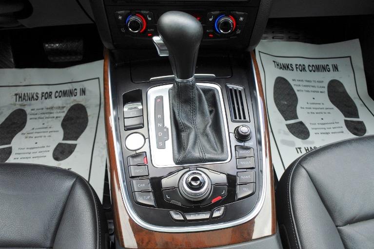 Used 2012 Audi Q5 3.2 quattro Premium Plus Used 2012 Audi Q5 3.2 quattro Premium Plus for sale  at Metro West Motorcars LLC in Shrewsbury MA 12
