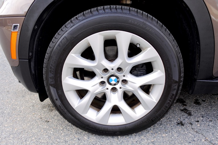 Used 2013 BMW X5 AWD 4dr xDrive35i Premium Used 2013 BMW X5 AWD 4dr xDrive35i Premium for sale  at Metro West Motorcars LLC in Shrewsbury MA 24