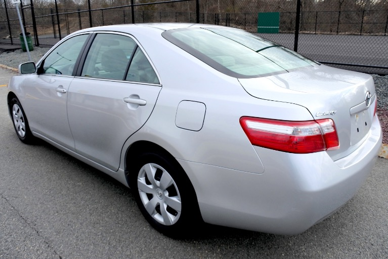 Used 2009 Toyota Camry LE Used 2009 Toyota Camry LE for sale  at Metro West Motorcars LLC in Shrewsbury MA 3
