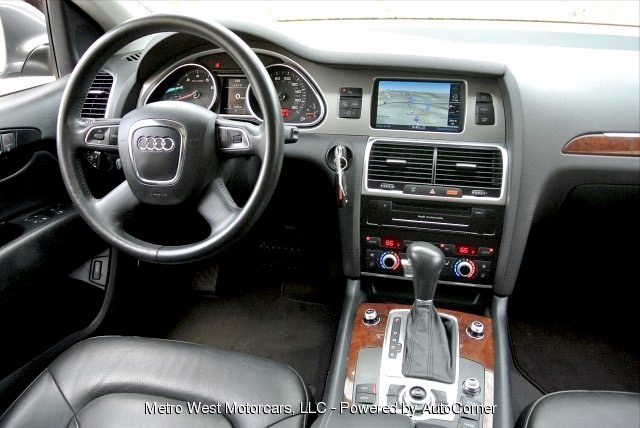 Used 2012 Audi Q7 3.0T Premium Plus Quattro Used 2012 Audi Q7 3.0T Premium Plus Quattro for sale  at Metro West Motorcars LLC in Shrewsbury MA 7