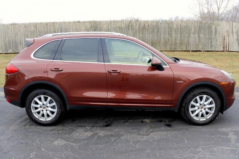 Used 2013 Porsche Cayenne AWD 4dr Diesel Used 2013 Porsche Cayenne AWD 4dr Diesel for sale  at Metro West Motorcars LLC in Shrewsbury MA 5