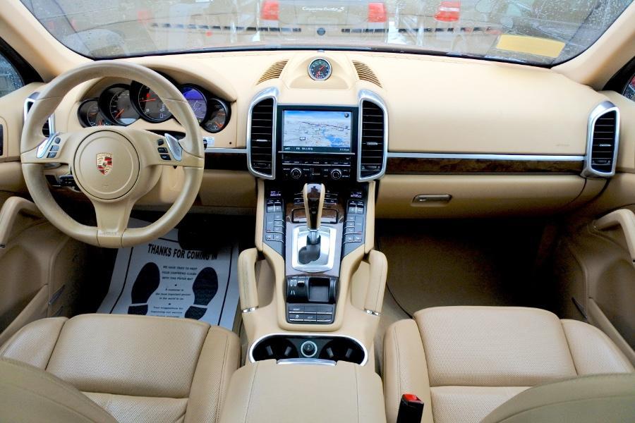Used 2013 Porsche Cayenne AWD 4dr Diesel Used 2013 Porsche Cayenne AWD 4dr Diesel for sale  at Metro West Motorcars LLC in Shrewsbury MA 8