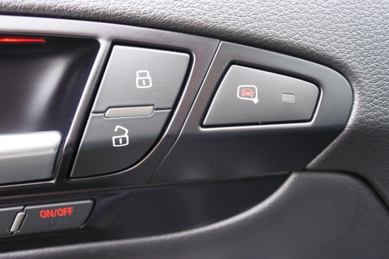 Used 2015 Audi Q7 TDI Premium Plus Quattro Used 2015 Audi Q7 TDI Premium Plus Quattro for sale  at Metro West Motorcars LLC in Shrewsbury MA 27