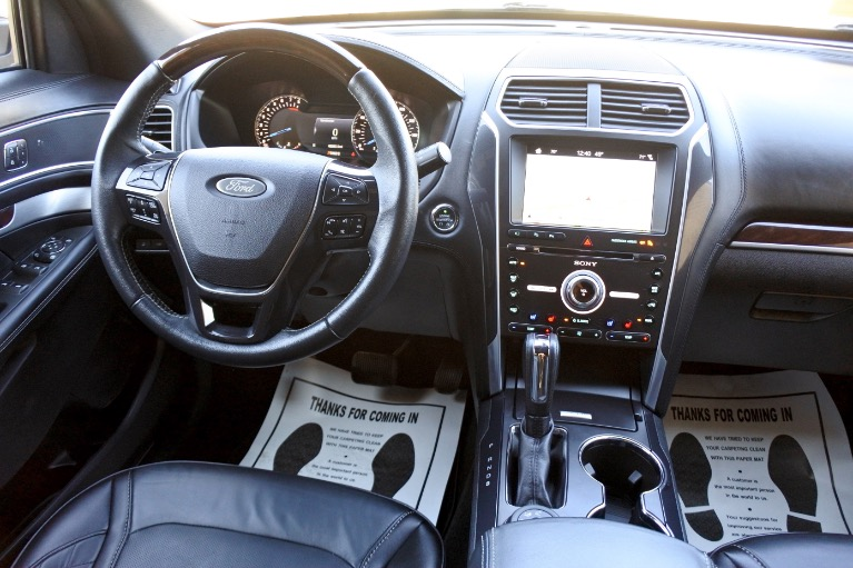 Used 2017 Ford Explorer Platinum 4WD Used 2017 Ford Explorer Platinum 4WD for sale  at Metro West Motorcars LLC in Shrewsbury MA 10