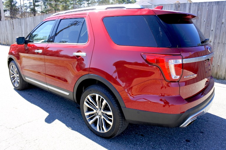 Used 2017 Ford Explorer Platinum 4WD Used 2017 Ford Explorer Platinum 4WD for sale  at Metro West Motorcars LLC in Shrewsbury MA 3