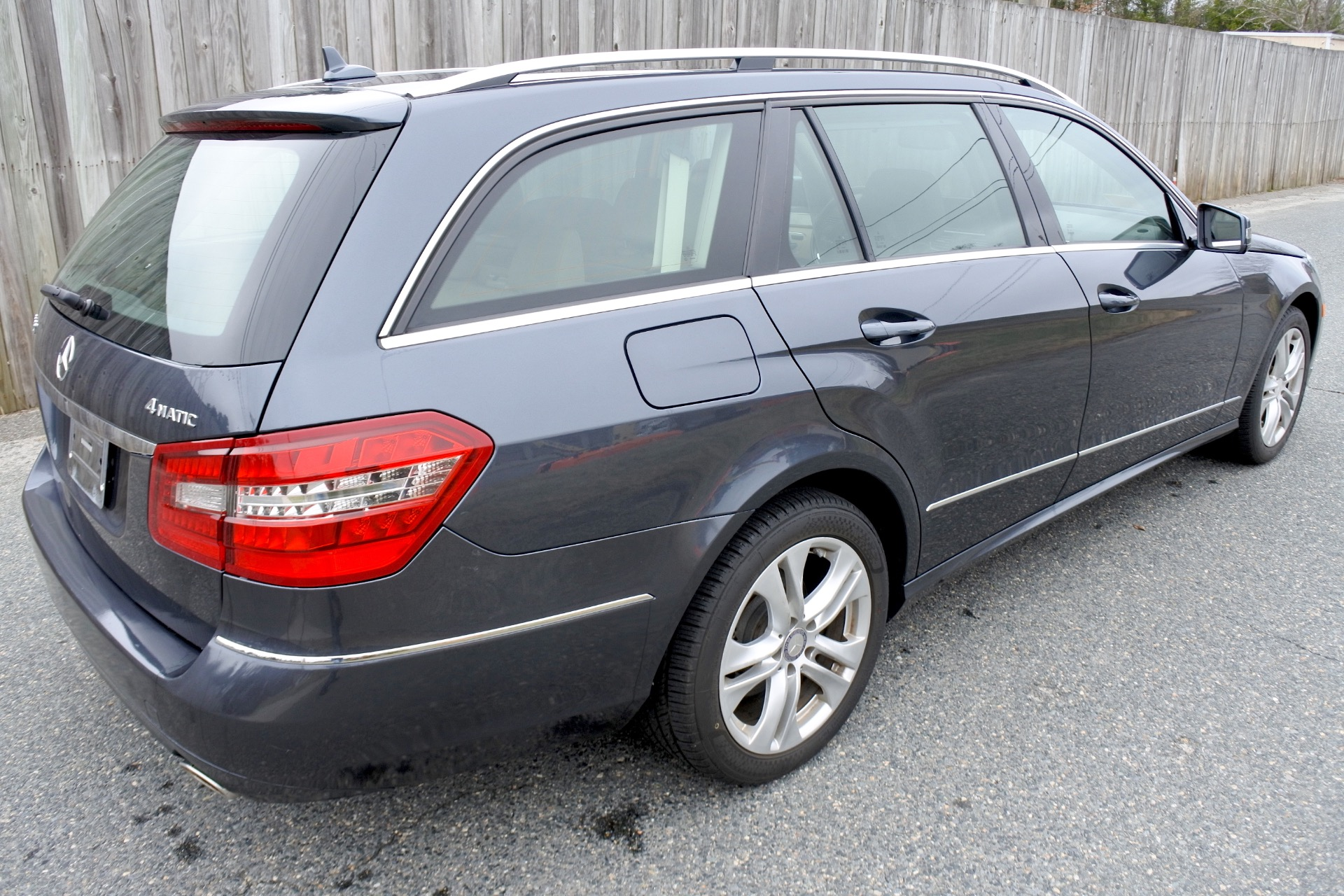 Used 2011 Mercedes-Benz E-Class 4dr Wgn E350 Luxury 4MATIC Used 2011 Mercedes-Benz E-Class 4dr Wgn E350 Luxury 4MATIC for sale  at Metro West Motorcars LLC in Shrewsbury MA 5