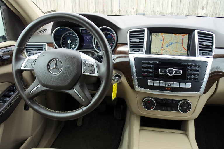 Used 2013 Mercedes-Benz M-class ML350 4MATIC Used 2013 Mercedes-Benz M-class ML350 4MATIC for sale  at Metro West Motorcars LLC in Shrewsbury MA 10