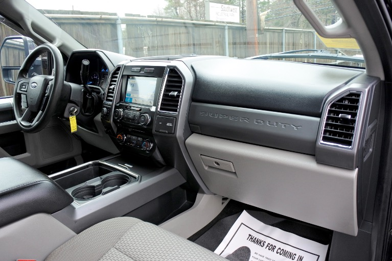 Used 2017 Ford Super Duty F-350 Srw XLT 4WD SuperCab 6.75'' Box Used 2017 Ford Super Duty F-350 Srw XLT 4WD SuperCab 6.75'' Box for sale  at Metro West Motorcars LLC in Shrewsbury MA 17
