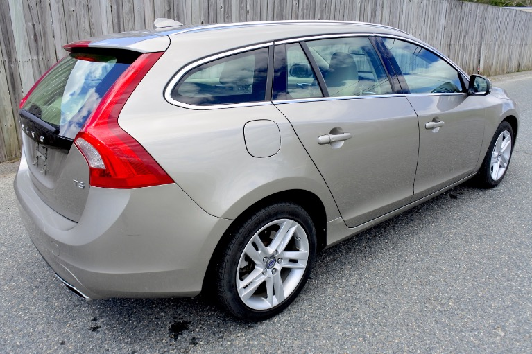 Used 2015 Volvo V60 T5 Drive-E Premier Used 2015 Volvo V60 T5 Drive-E Premier for sale  at Metro West Motorcars LLC in Shrewsbury MA 5