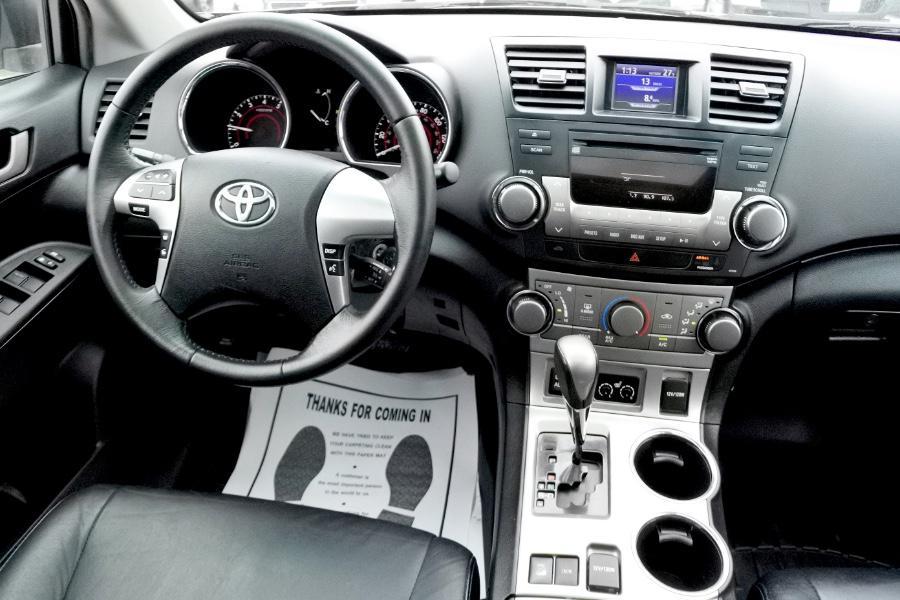 Used 2011 Toyota Highlander 4WD 4dr V6 SE (Natl) Used 2011 Toyota Highlander 4WD 4dr V6 SE (Natl) for sale  at Metro West Motorcars LLC in Shrewsbury MA 10
