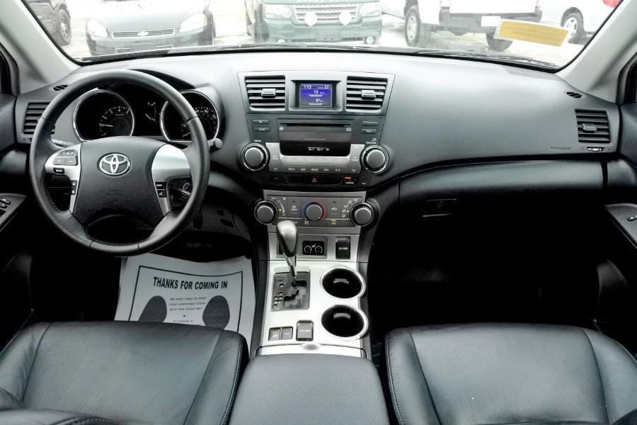 Used 2011 Toyota Highlander 4WD 4dr V6 SE (Natl) Used 2011 Toyota Highlander 4WD 4dr V6 SE (Natl) for sale  at Metro West Motorcars LLC in Shrewsbury MA 9