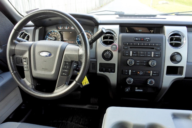 Used 2011 Ford F-150 4WD SuperCrew 145' XLT Used 2011 Ford F-150 4WD SuperCrew 145' XLT for sale  at Metro West Motorcars LLC in Shrewsbury MA 10