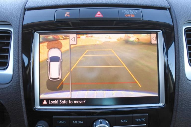 Used 2011 Volkswagen Touareg Hybrid 4MOTION Used 2011 Volkswagen Touareg Hybrid 4MOTION for sale  at Metro West Motorcars LLC in Shrewsbury MA 12