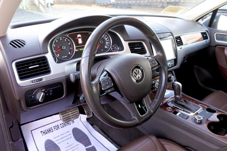 Used 2011 Volkswagen Touareg Hybrid 4MOTION Used 2011 Volkswagen Touareg Hybrid 4MOTION for sale  at Metro West Motorcars LLC in Shrewsbury MA 14