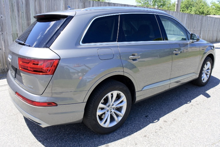 Used 2018 Audi Q7 2.0 Premium Plus Quattro Used 2018 Audi Q7 2.0 Premium Plus Quattro for sale  at Metro West Motorcars LLC in Shrewsbury MA 5