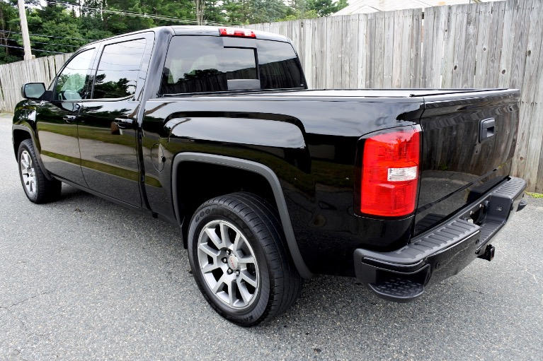Used 2015 GMC Sierra 1500 4WD Crew Cab 143.5' Denali Used 2015 GMC Sierra 1500 4WD Crew Cab 143.5' Denali for sale  at Metro West Motorcars LLC in Shrewsbury MA 3
