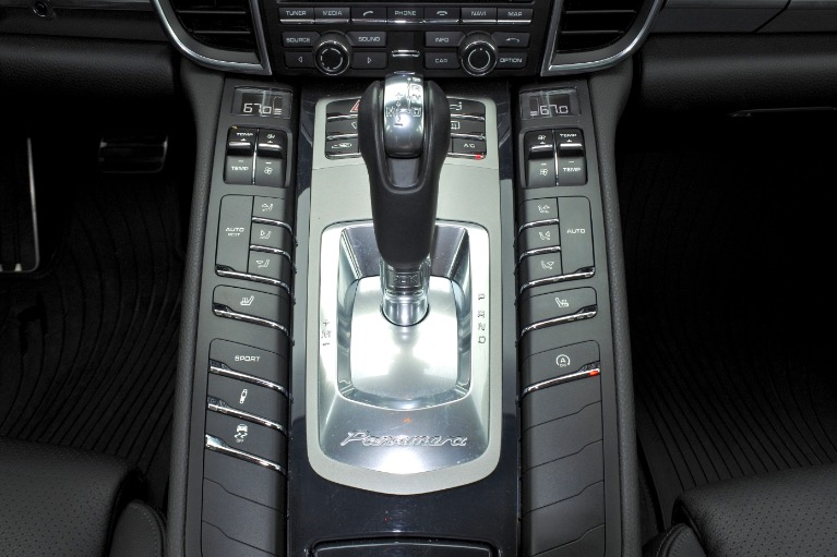 Used 2014 Porsche Panamera 4S AWD Used 2014 Porsche Panamera 4S AWD for sale  at Metro West Motorcars LLC in Shrewsbury MA 12