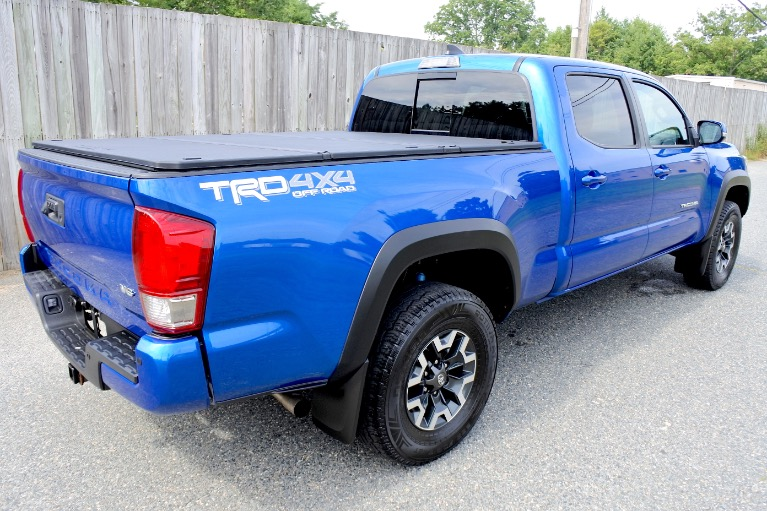 Used 2017 Toyota Tacoma TRD Off Road Double Cab V6 4x4 Used 2017 Toyota Tacoma TRD Off Road Double Cab V6 4x4 for sale  at Metro West Motorcars LLC in Shrewsbury MA 5