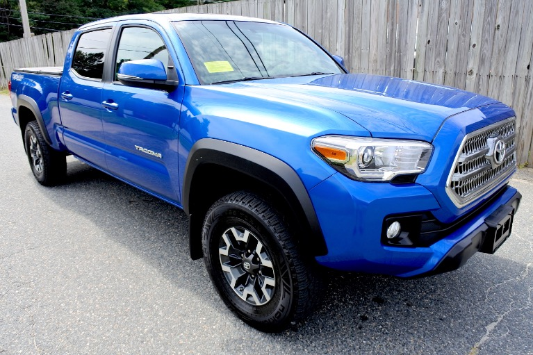 Used 2017 Toyota Tacoma TRD Off Road Double Cab V6 4x4 Used 2017 Toyota Tacoma TRD Off Road Double Cab V6 4x4 for sale  at Metro West Motorcars LLC in Shrewsbury MA 7