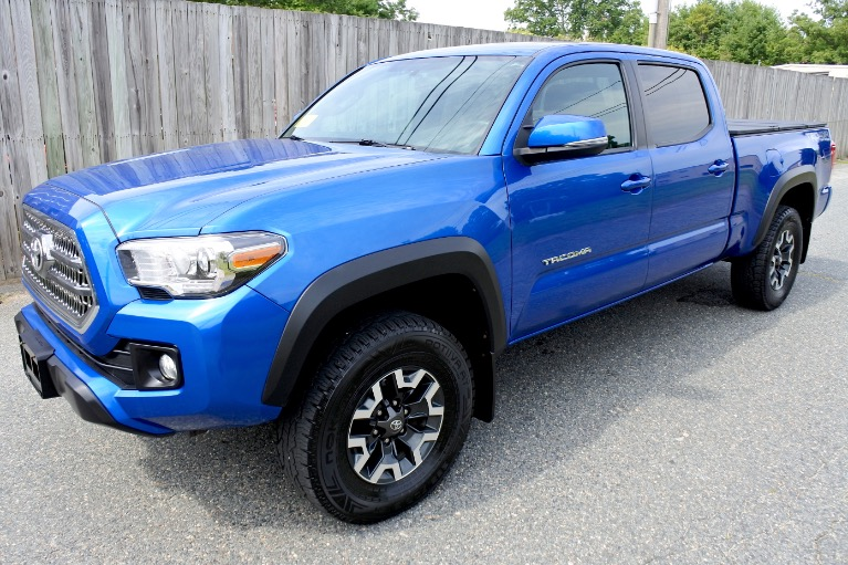 Used 2017 Toyota Tacoma TRD Off Road Double Cab V6 4x4 Used 2017 Toyota Tacoma TRD Off Road Double Cab V6 4x4 for sale  at Metro West Motorcars LLC in Shrewsbury MA 1