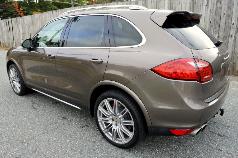 Used 2013 Porsche Cayenne Turbo AWD Used 2013 Porsche Cayenne Turbo AWD for sale  at Metro West Motorcars LLC in Shrewsbury MA 3