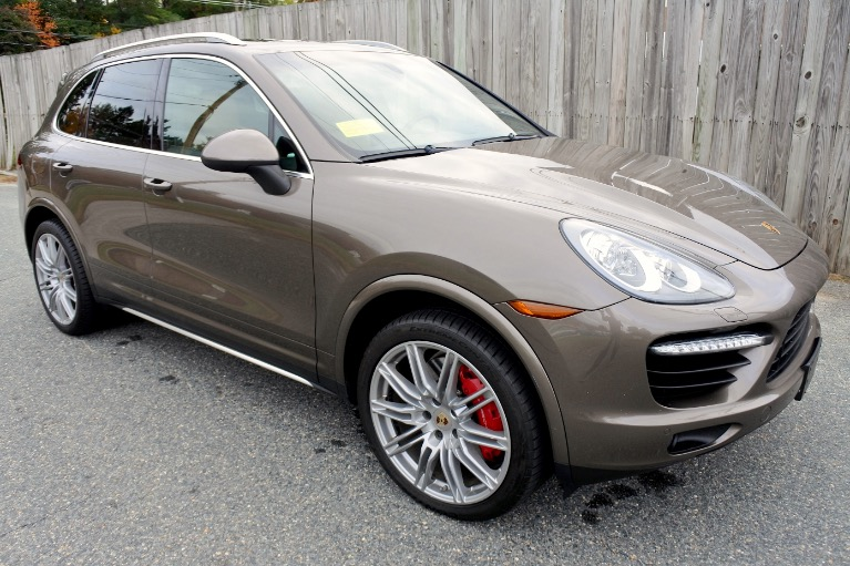Used 2013 Porsche Cayenne Turbo AWD Used 2013 Porsche Cayenne Turbo AWD for sale  at Metro West Motorcars LLC in Shrewsbury MA 7