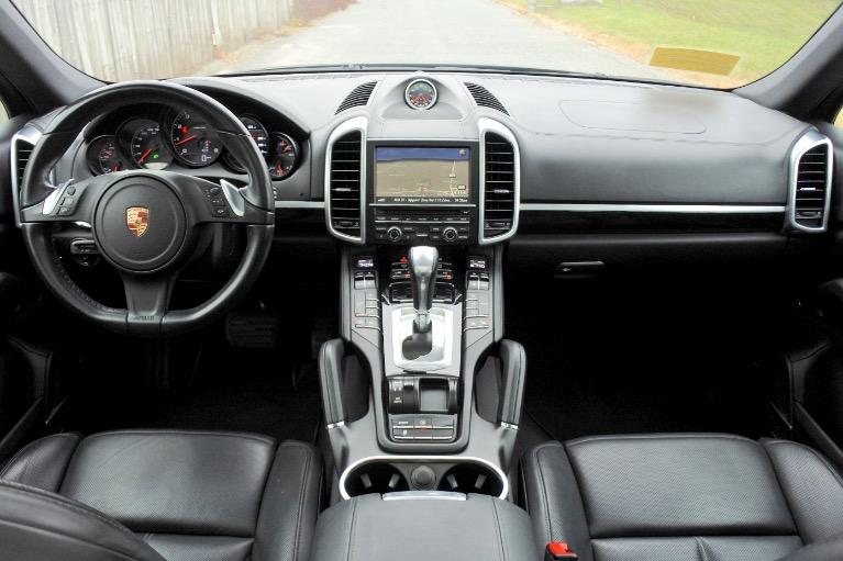Used 2014 Porsche Cayenne Platinum Edition AWD Used 2014 Porsche Cayenne Platinum Edition AWD for sale  at Metro West Motorcars LLC in Shrewsbury MA 9