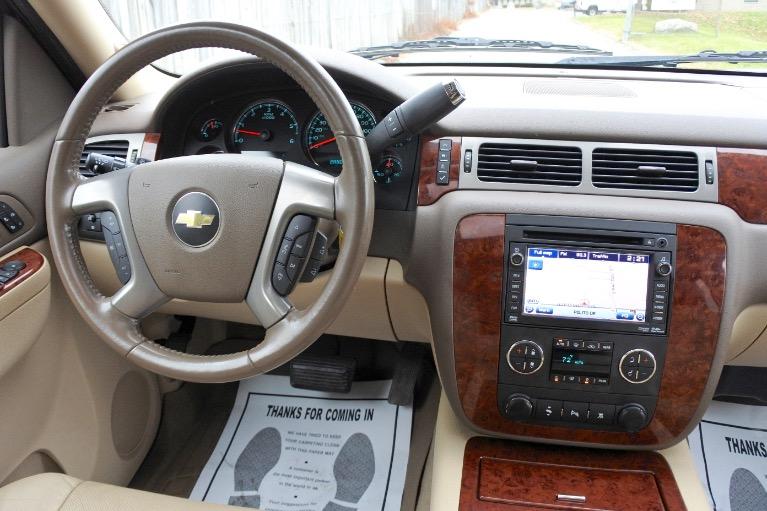 Used 2011 Chevrolet Suburban 1500 LTZ 4WD Used 2011 Chevrolet Suburban 1500 LTZ 4WD for sale  at Metro West Motorcars LLC in Shrewsbury MA 10